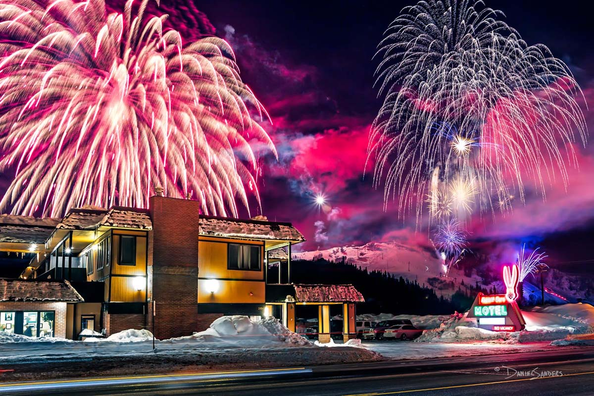 DS Photography Rabbit Ears Motel 2016 Winter Carnival Fireworks 24x16 For Print - Photography
